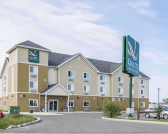 Quality Inn & Suites Thompson - Thompson - Building