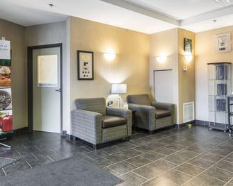 Quality Inn & Suites Thompson - Томпсон - Лоббі
