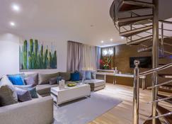 SBN Suite Hôtel - Танжер - Вітальня