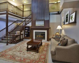 Country Inn & Suites by Radisson, Big Rapids - Big Rapids - Huiskamer