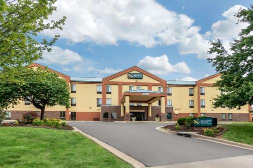 Quality Inn & Suites Lenexa Kansas City - Lenexa - Rakennus