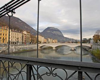 Ibis Grenoble Centre Bastille - Grenoble - Outdoor view
