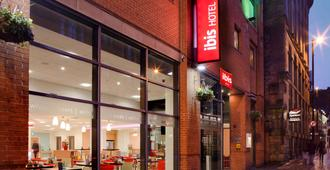 Ibis Manchester Centre 96 Portland Street (New Ibis Rooms) - Manchester - Building