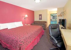 Days Inn by Wyndham East Albuquerque - Albuquerque - Bedroom
