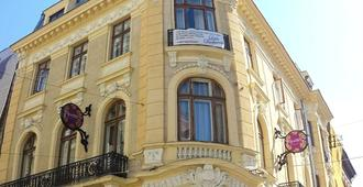 Little Bucharest - Old Town Hostel - Bucarest - Bâtiment