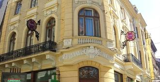 Little Bucharest - Old Town Hostel - Bucarest - Edificio
