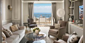 Hôtel Barrière Le Majestic Cannes - קאן - סלון