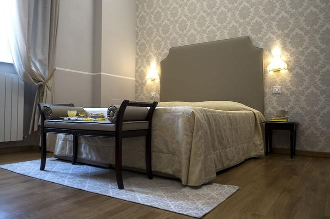 Hotel Navy - Λιβόρνο - Κρεβατοκάμαρα