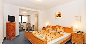 Klippenhotel garni - Usingen - Schlafzimmer