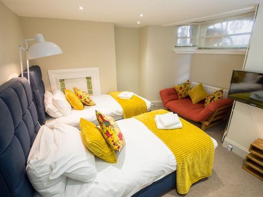 Regency Guest House - Cambridge - Bedroom