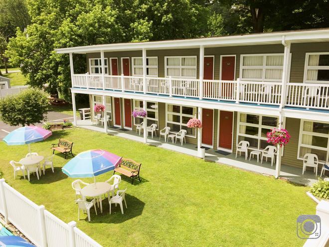 Lido Motel Lake George - Lake George - Patio