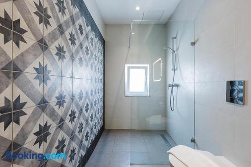 雙枕旅館 - 斯利馬 - 斯利馬 - 浴室