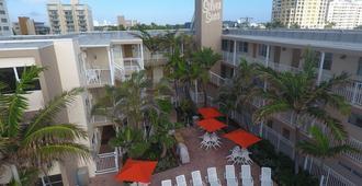 Silver Seas Beach Resort - פורט לודרדייל - בניין