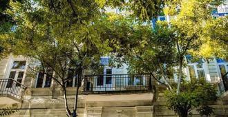 Centrum Hostel - Baku - Outdoors view