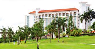 Nilai Springs Resort Hotel - Kampung Baharu Nilai - Buffet