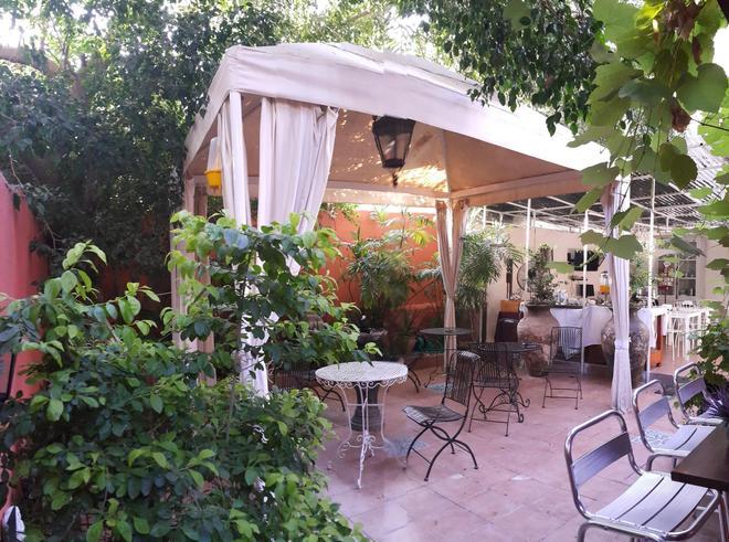 Central Hotel - Tel Aviv - Patio