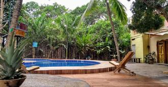 Kanta Sana - Palomino - Pool