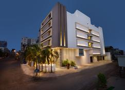 Bizz The Hotel - Rajkot - Edificio