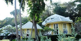 尼馬諾拉迪渡假酒店 - 沙美島 - 沙美島 - 建築