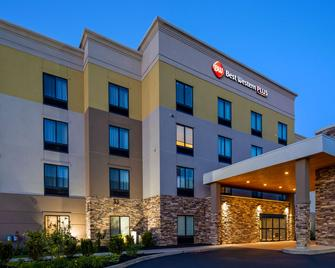 Best Western Plus Erie Inn & Suites - Erie - Building