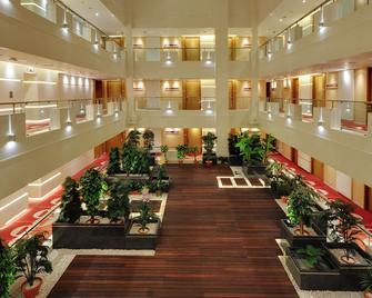 Platinum Hotel - Rajkot - Aula