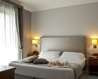 Villa Luisa Hotel Residence Beauty Farm - Pozzuoli - Slaapkamer
