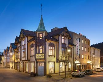 Grand Hotel Egersund - Egersund - Building