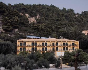 Glyfada Beach Hotel - Pelekas - Building