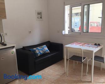 Sisifou Apartment - Corinth - Living room