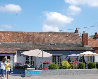 The Angel Inn - Warminster - Gebäude