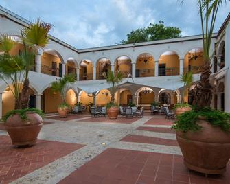 Hodelpa Nicolas de Ovando - Santo Domingo - Edificio