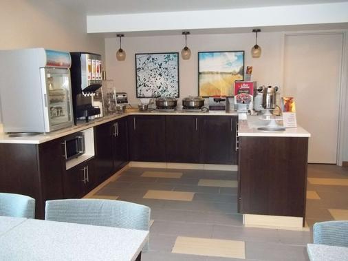 Best Western Park Oasis Inn - Mauston - Buffet