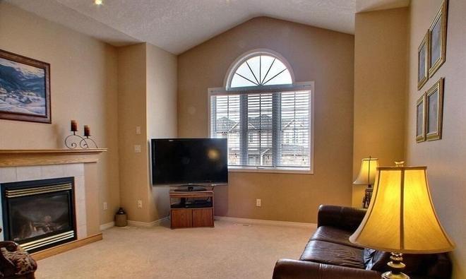 HB Guest Home - Waterloo - Living room