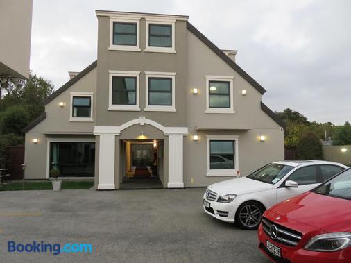 Athena Motel & Apartments - Christchurch - Building
