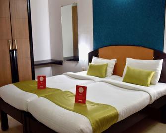 OYO 10765 Hotel Tanish - Margao - Slaapkamer