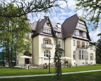 Hotel Steirerschlössl - Weisskirchen in Steiermark - Building