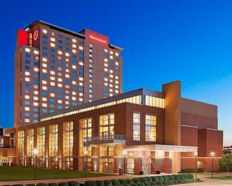 Sheraton Overland Park Hotel at the Convention Center - Overland Park - Gebäude