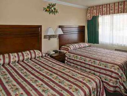 Travelodge by Wyndham, Fresno Convention Center Area - Fresno - Bedroom