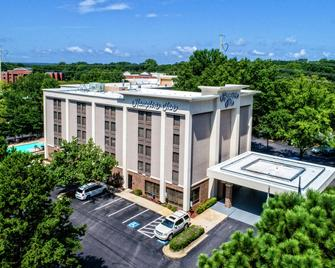 Hampton Inn Raleigh Cary - Cary - Building