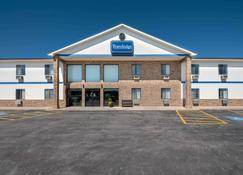 Travelodge by Wyndham Spearfish - Spearfish - Rakennus