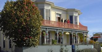 Tamara Riverside Lodge - Whanganui - Building