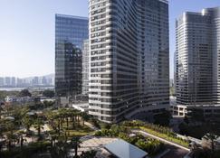 Courtyard by Marriott Xiamen Haicang - Xiamen - Outdoors view
