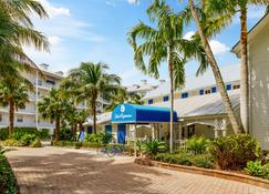 Olde Marco Island Inn And Suites - Marco Island - Gebäude