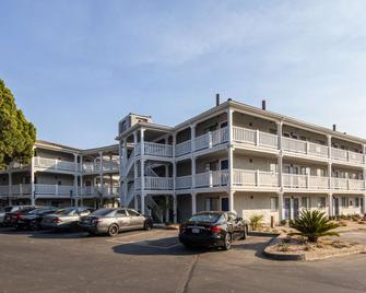 SureStay Hotel by Best Western Fairfield Napa Valley - Fairfield - Κτίριο