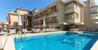 Hotel Jesulum - Jesolo - Pool