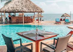 Belizean Dreams Resort - Хопкинс - Бассейн