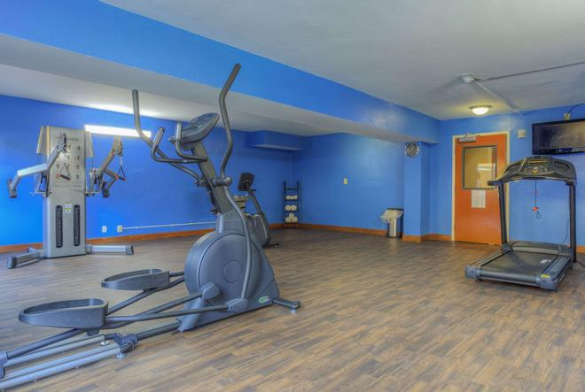 Quality Inn and Suites Chattanooga - Chattanooga - Gym