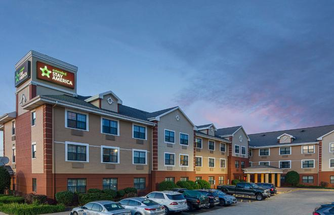 Extended Stay America - Chicago - Woodfield Mall - Schaumburg - Building