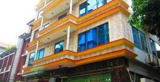 Marino Hotel Uttara - דאהקא