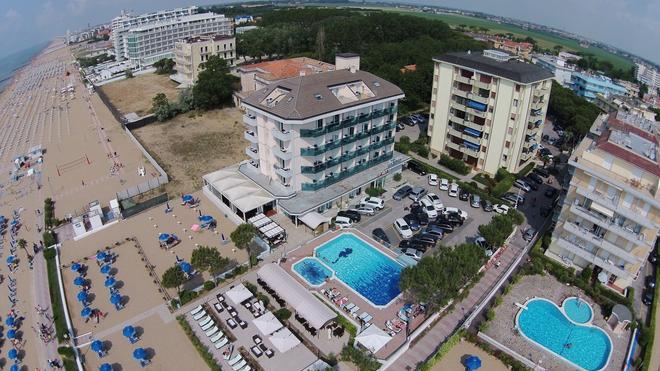 Hotel La Bussola - Jesolo - Building